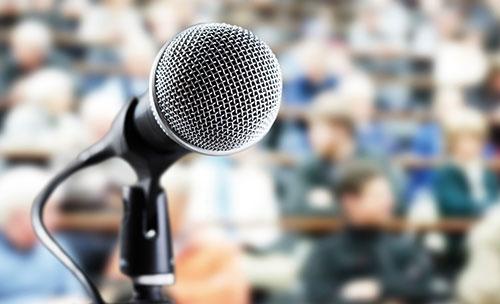 Bild mit einem Mikrofon